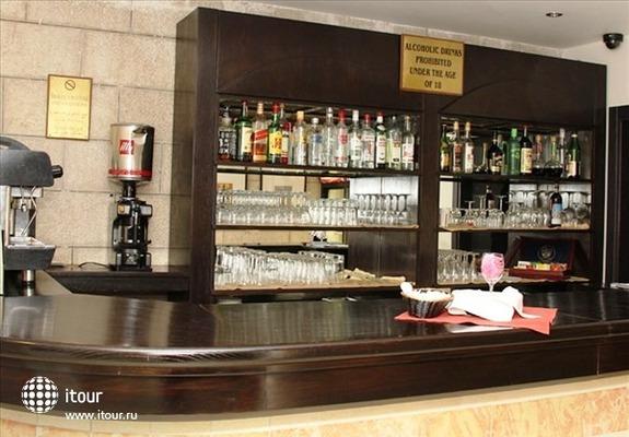 Ritz Hotel 8