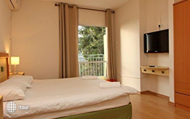 Eilon Travel Hotel 3