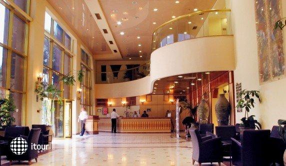 Leonardo Hotel Negev 5