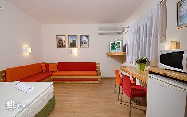 Gesher Haziv Travelers Hotel 2