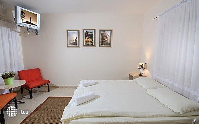 Gesher Haziv Travelers Hotel 8