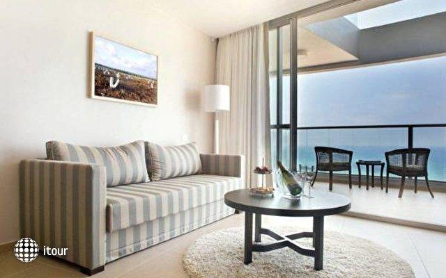 Ramada Hotel & Suites  5