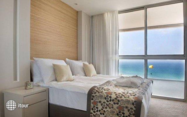 Ramada Hotel & Suites  6