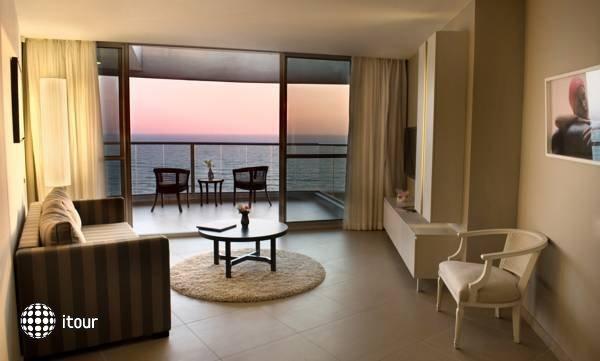 Ramada Hotel & Suites  8