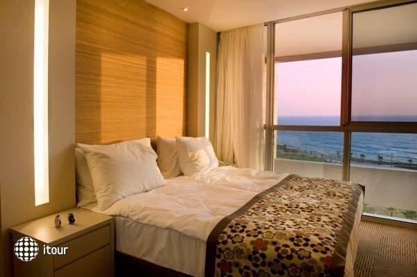 Ramada Hotel & Suites  9