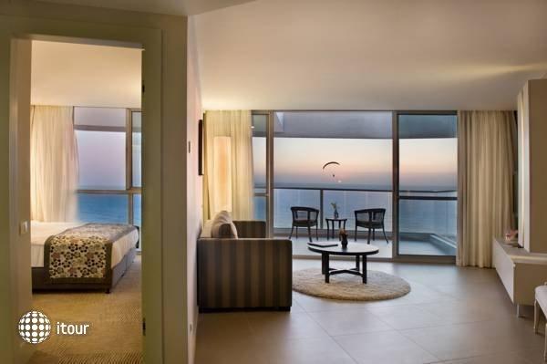 Ramada Hotel & Suites  10