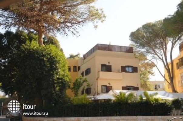 Villa Carmel 1