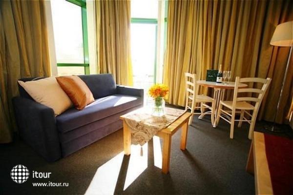 Dizengoff Suites 10
