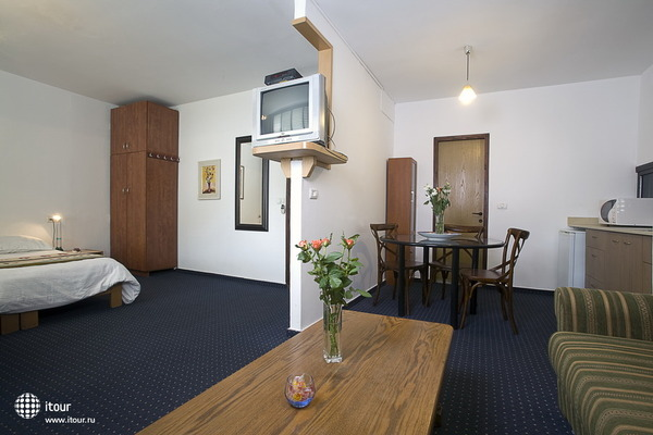 Arbel Suites Hotel 8