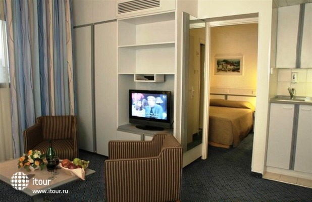Best Western Regency Suites 1