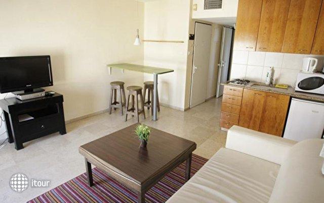 Dizengoff Beach Apartments 2