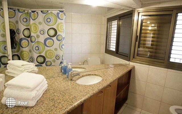 Dizengoff Beach Apartments 3