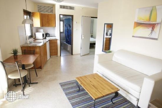 Dizengoff Beach Apartments 7
