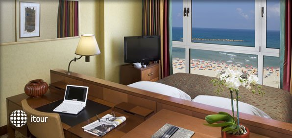 Dan Tel Aviv Hotel 9
