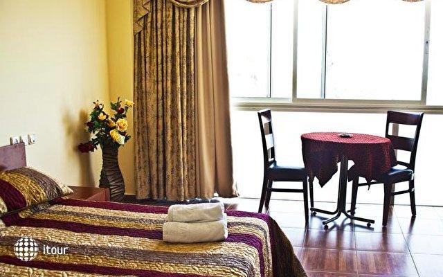 Hotel Suites Bat Yam 2