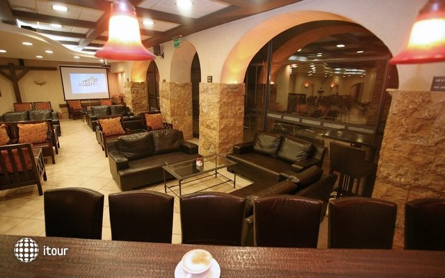 Nofim Hotel 4