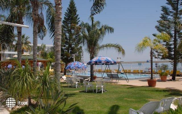 Ron Beach Hotel Tiberias 2