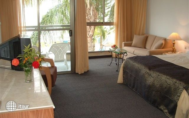 Ron Beach Hotel Tiberias 8