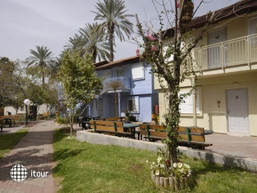 Degania Bet Kibbutz Country Lodging 2