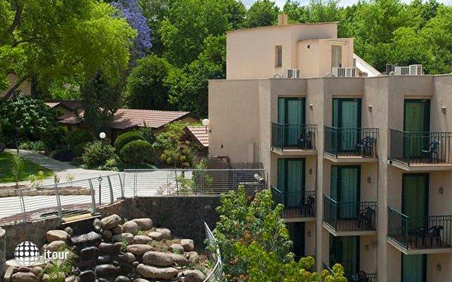 Hagoshrim Kibbutz & Resort Hotel 1