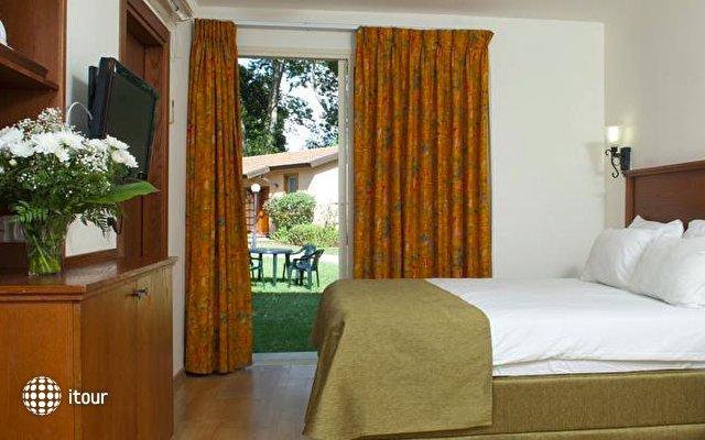 Hagoshrim Kibbutz & Resort Hotel 5