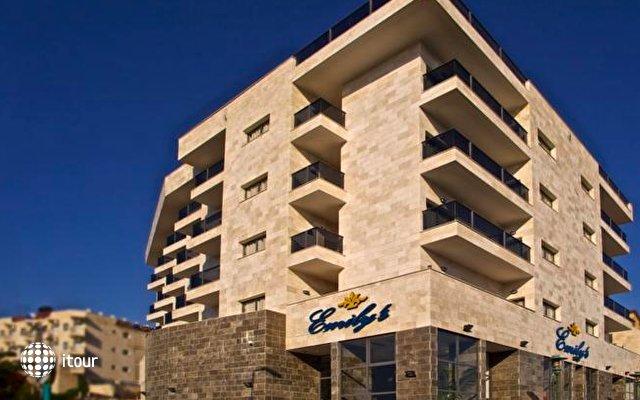 Emily's Hotel 1