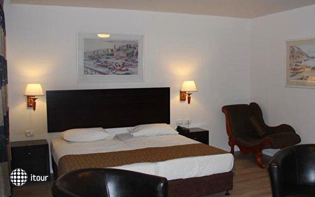Restal Hotel 4