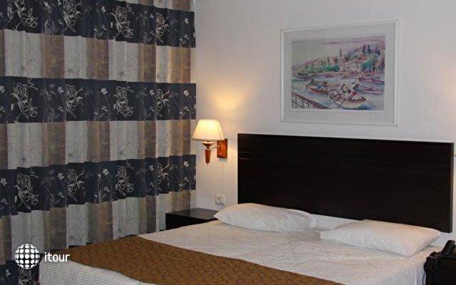 Restal Hotel 5