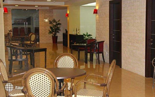 Restal Hotel 7