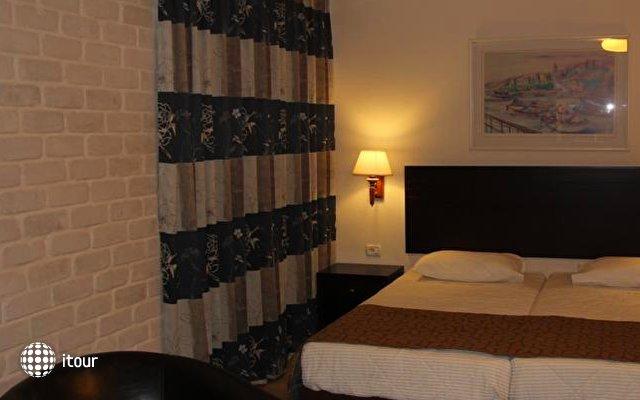Restal Hotel 9
