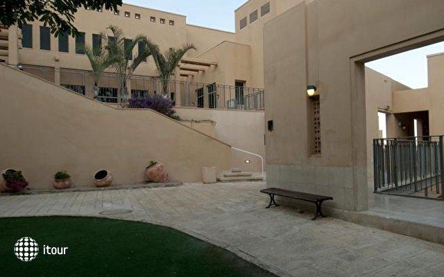 Massada Guest House & Youth Hostel 6
