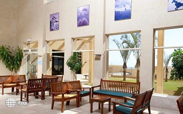 Massada Guest House & Youth Hostel 10