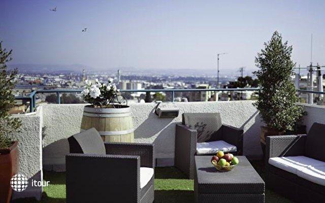 Loui M Apartments 5