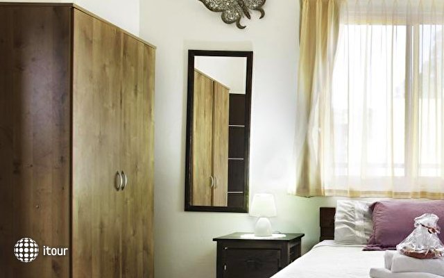 Loui M Apartments 8