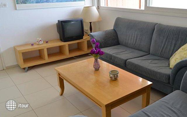 Haifa Stylish Apartments 8