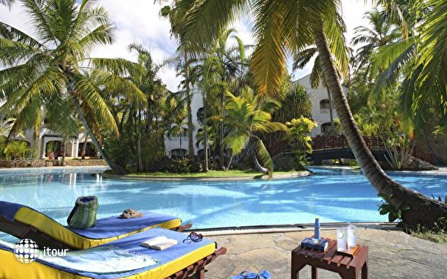 Sarova Whitesands Beach Resort & Spa 2