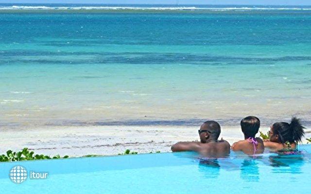 Voyager Beach Resort 7