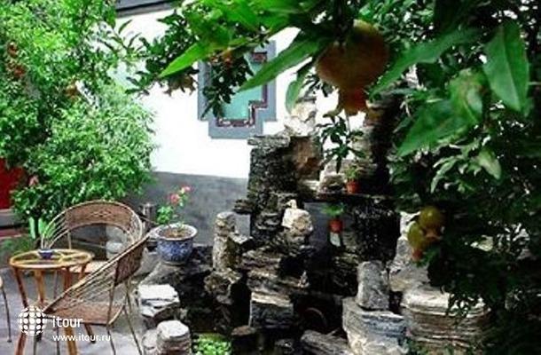 Courtyard Spring Garden 9
