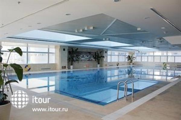 Holiday Inn Beijing Focus Square 2