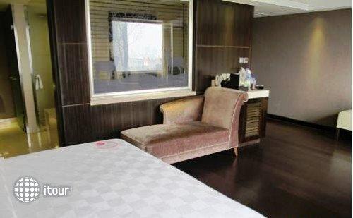 Changbaishan International 10