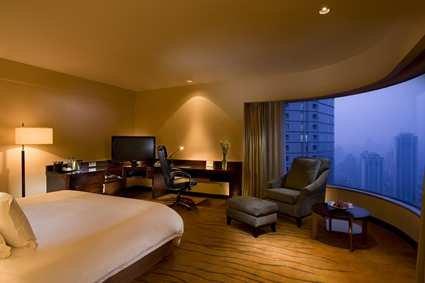 Hilton Shanghai Hotel 8