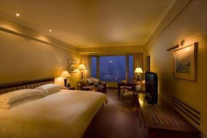 Hilton Shanghai Hotel 4