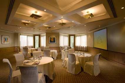 Hilton Shanghai Hotel 10