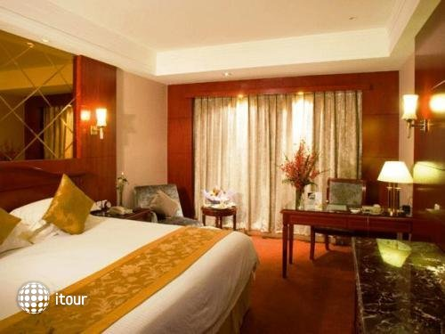 Oriental Riverside Hotel Shanghai 10