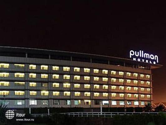 Pullman Baiyun Airport 1