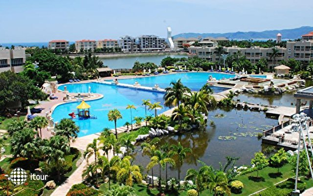 Cactus Resort 1