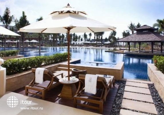 Ritz Carlton Sanya 4