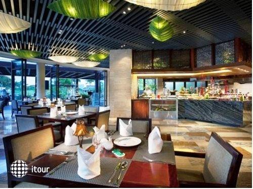 Grand Metro Park Resort 3