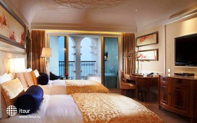 Grand Fortune Bay Hotel 6