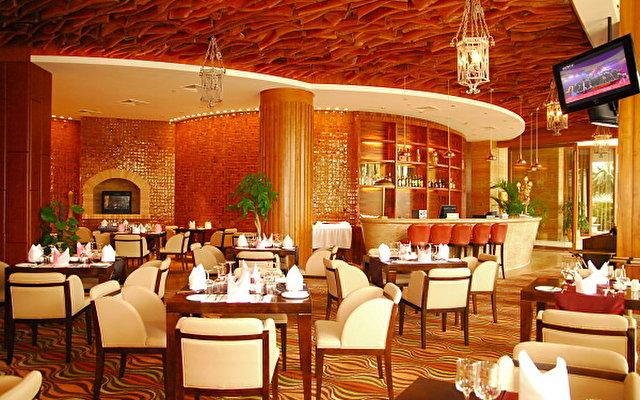 Grand Soluxe Hotel & Resort 8